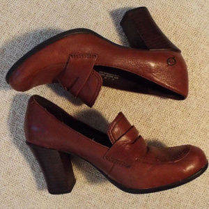Born Leather Penny Loafers Heels Size 8 39